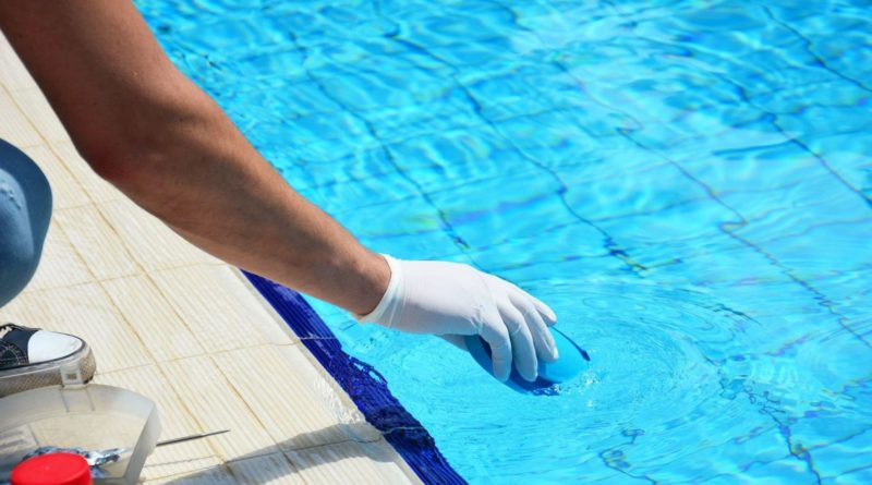 обслуживание и чистка бассейна